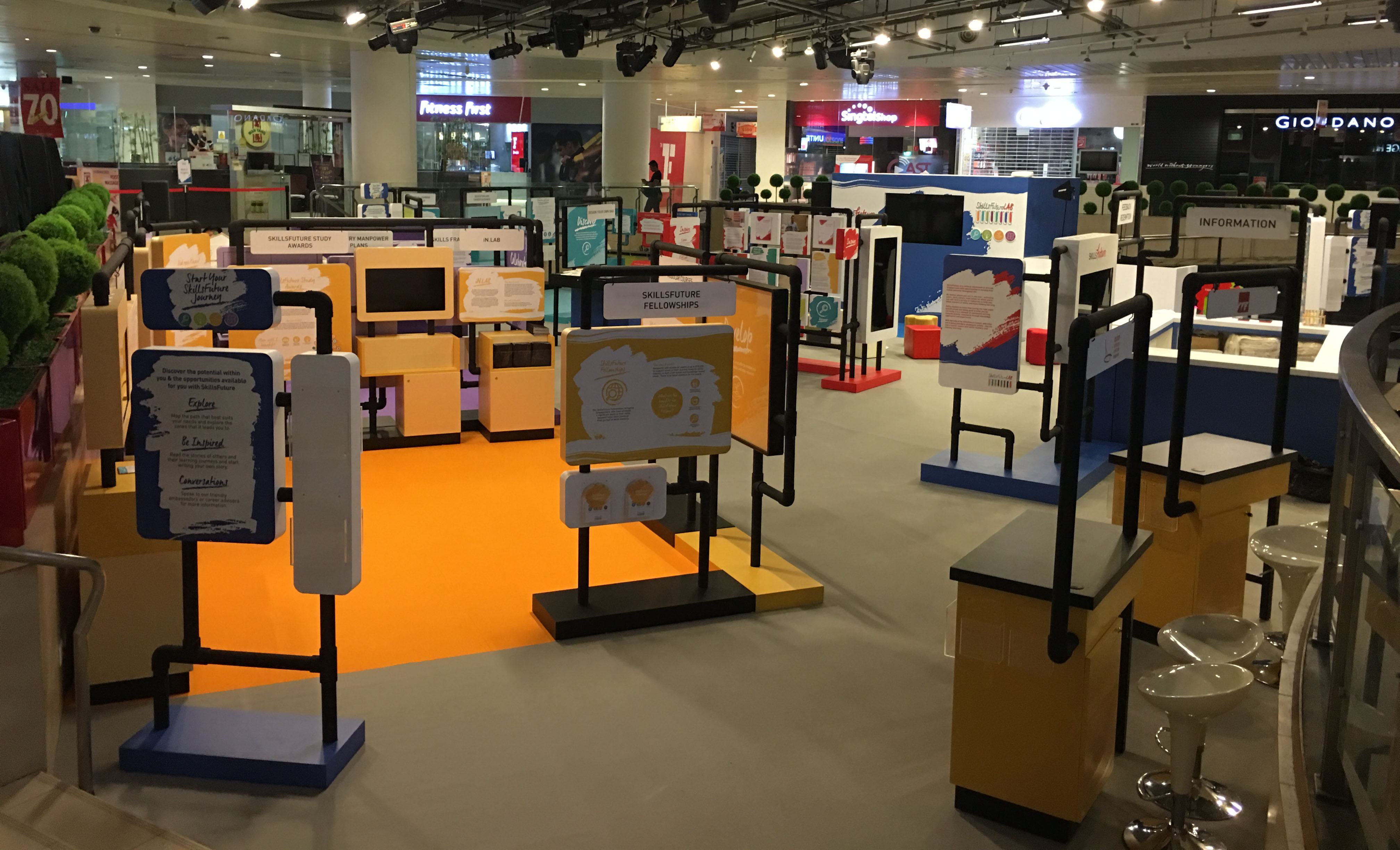 EXHIBITIONS & DISPLAY BOOTH